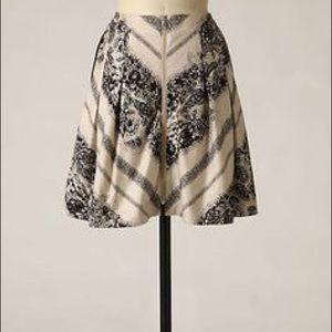HP 💠 edmé & esyllte Front Zip Black Floral skirt
